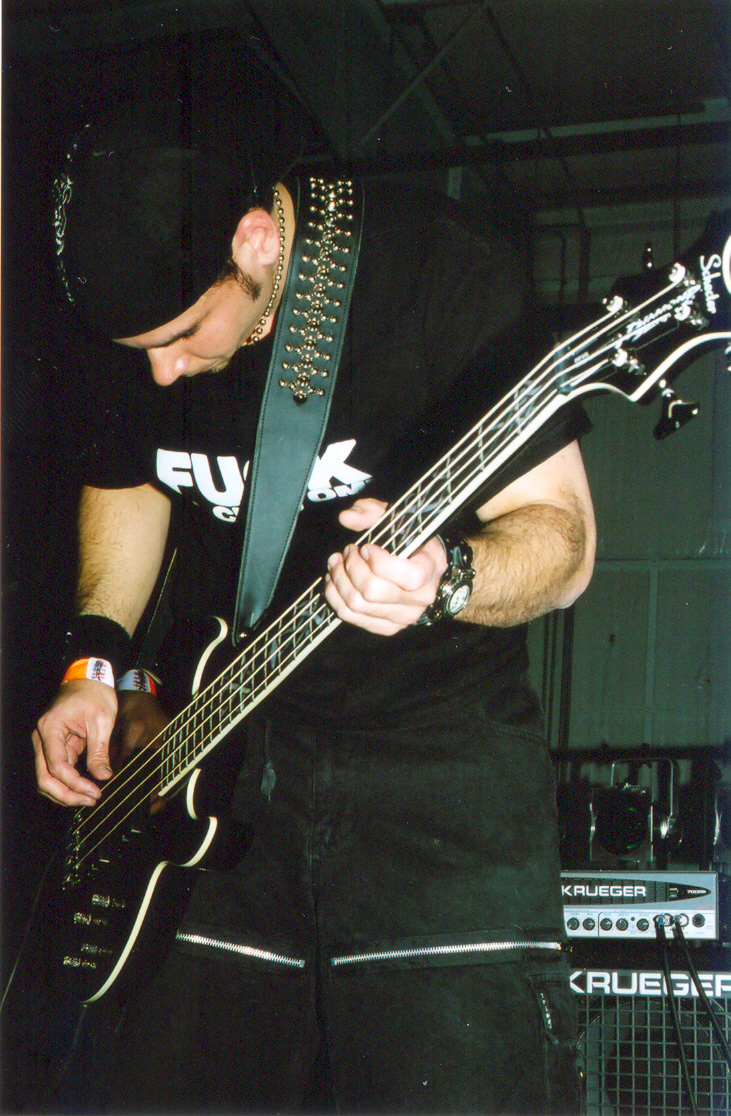 Paul Arthur performing at Skate Zone Underground